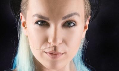 weronika wysoczyńska niebieskowłosa stylistka